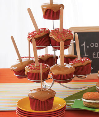 Candy-Apple-Cupcakes_slideshow_image