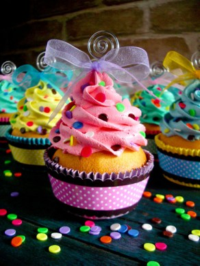 Confetti_Faux_Cupcakes_02_by_CreativeAbubot