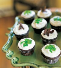 mare_dark_chocolate_mint_cupcakes_v