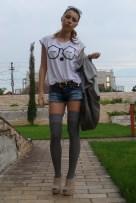 white-zara-t-shirt-blue-cut-by-me-shorts-gray-zara-bag-accessories-gray-ra_400
