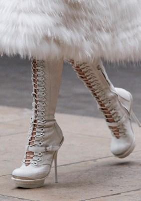 alexander-mcqueen-fall-2011-01-shoe