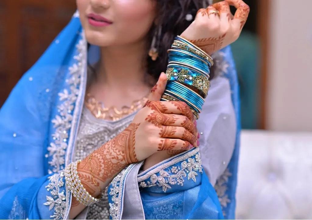 Se faire tatouer au henné enceinte est-il dangereux ou non ?