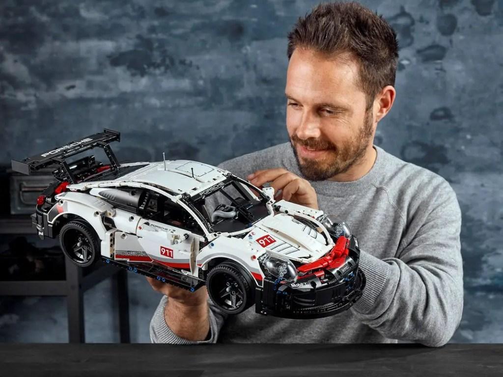 Le Porsche 911 RSR, un modèle pour décorer votre intérieur