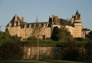 group villa near paris