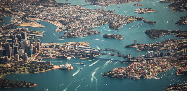 vue sur la baie de Sydney car exemple pour étape établir son budget voyage