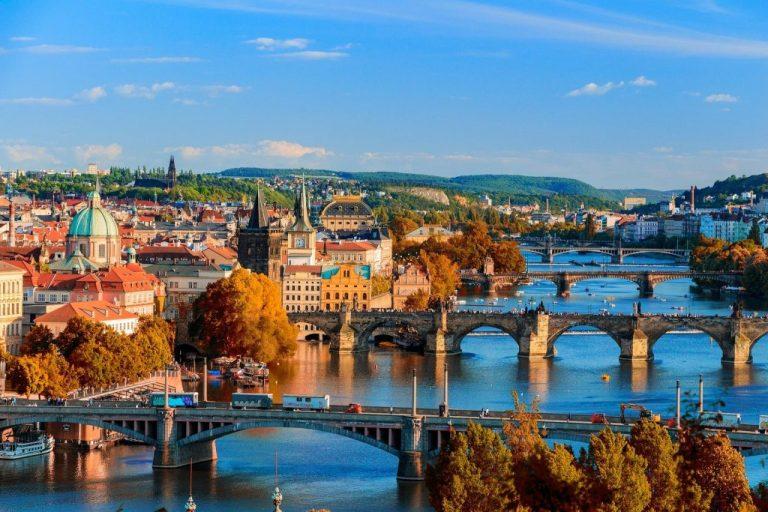 ponts de prague car destinations romantiques