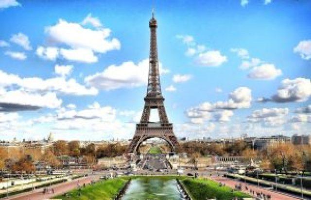 Jardin, Tour Eiffel, ciel bleu