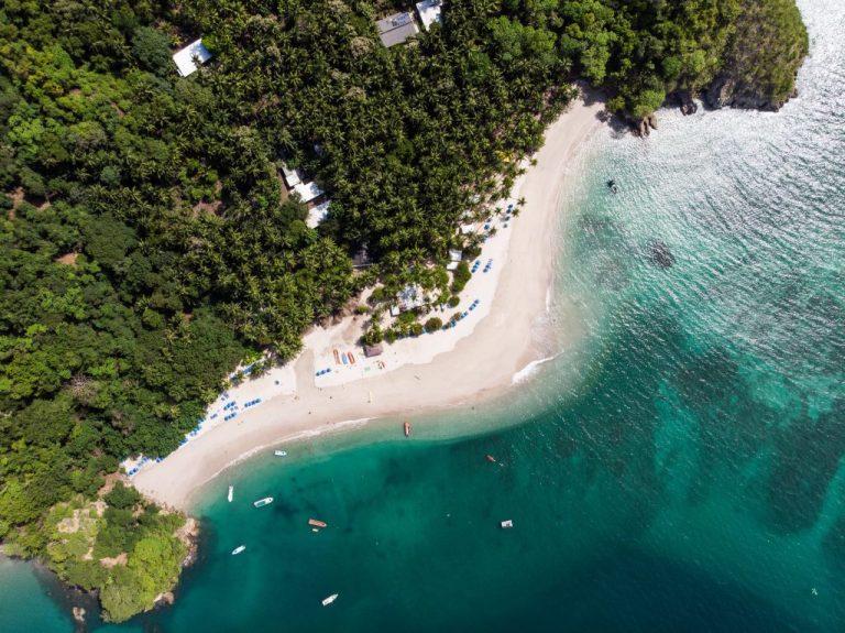 moitié plage et moitié forêt au costa rica pour passer l'hiver au soleil