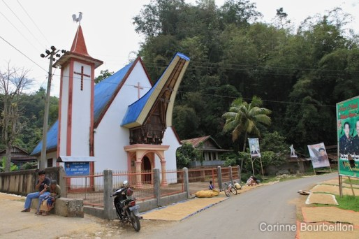 Église chrétienne, Tana Toraja, Sulawesi, Indonésie. Juillet 2010.