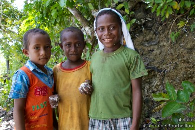 Les enfants de Raja Ampat. Papouasie, Indonésie, juillet 2012.