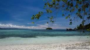 Sorido Bay Beach, Kri Island, Raja Ampat. Papouasie, Indonésie, mars 2012.