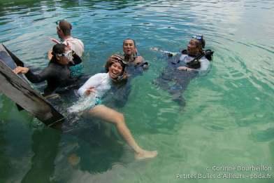 Mes nouveaux amis indonésiens, venus passer quelques jours, comme moi, dans l'archipel de Derawan pour plonger. (Juillet 2013.)
