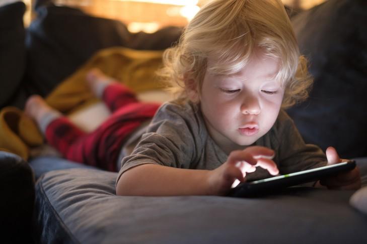 Les écrans (2/2) : 5 activités pour aider ton enfant à décrocher