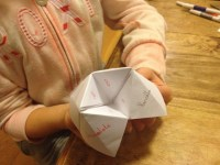 cocotte pour apprendre : chatterbox kid, photo de Nicole (CC BY-NC 2.0)