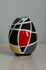 Schlossberg vase decor Kuba designed by Liesel Spornhauer unmarked height 10 cm