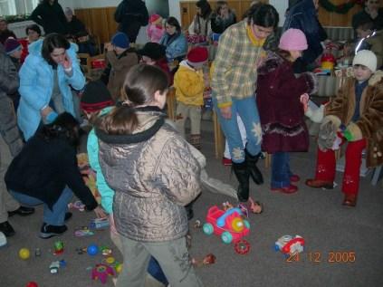 Botosani - cadouri de Craciun 2005 (5)