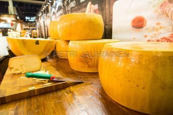 Isot juustot, pienet vehkeet