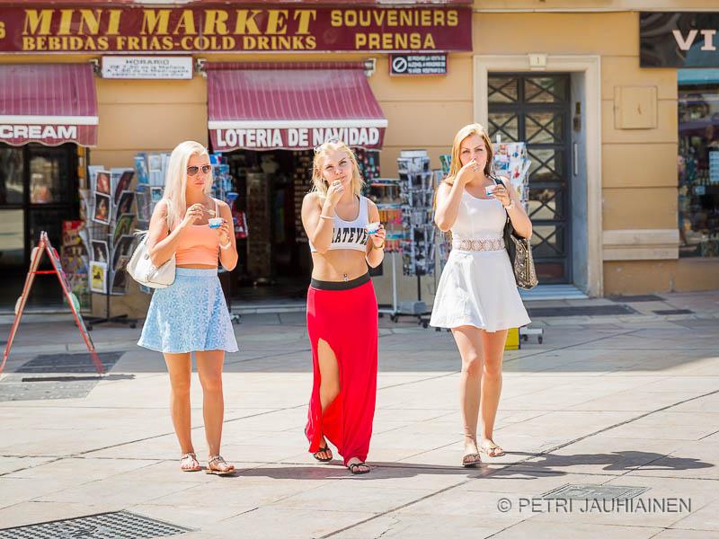 Siskokset jätskillä - Kaisa, Elli ja Annika, Malaga