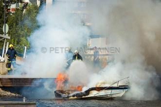Tulipalo Kuopion Maljalahden satamassa-20