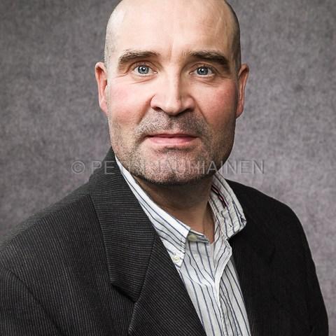 Potrettikuvaus keikkastudio valokuvaaja Petri Jauhiainen