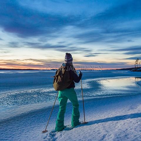 Lumikenkäilijä valokuvaaja Petri Jauhiainen