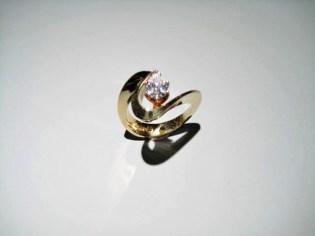 14K Gold C.Z. Ring Artist: Eddie Sakamoto Catalog: 603-43-0