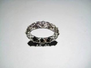 Platinum Ring with .42c Diamond Artist: Varna Catalog: 602-55-5