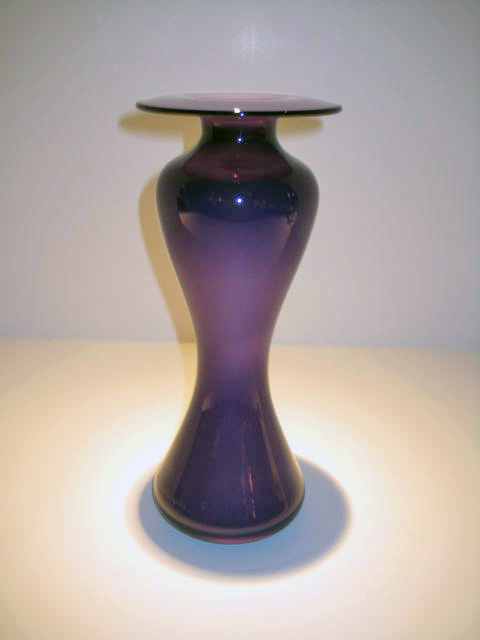 Purple May West Vase Artist: Mariush Rynkewitz Catalog: 604-94-0