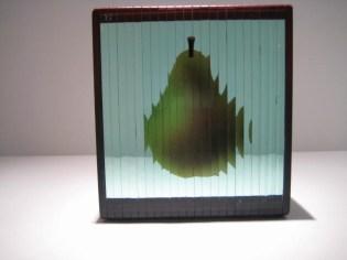 Single Pear Scupture Artist: Simoni Catalog: 801-89-6