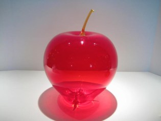 Red Apple Sculpture Artist: Anthony Bianca Catalog: 901-57-2