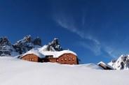 Hofpürgel hütte a nikde ani stopa, nádhera! To vpravo je winterraum, naše nocležiště.