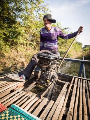 Strojvůdce ženoucí svůj bamboo train
