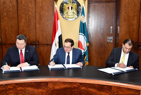 هيئة البترول توقع توقيع اتفاقية بترولية جديدةمع شركة أباتشى العالمية