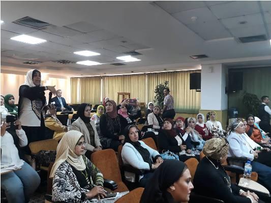 بالصور بترول بلاعيم تستضيف الاجتماع الثانى لأمانة المرأة بالنقابة العامة البترول (11)