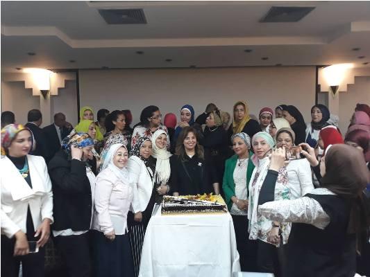 بالصور بترول بلاعيم تستضيف الاجتماع الثانى لأمانة المرأة بالنقابة العامة البترول (23)