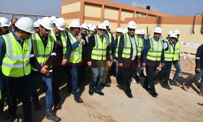 جولة وزير البترول الميدانية بأسيوط لمتابعة الموقف التنفيذى لمجمع إنتاج البنزين