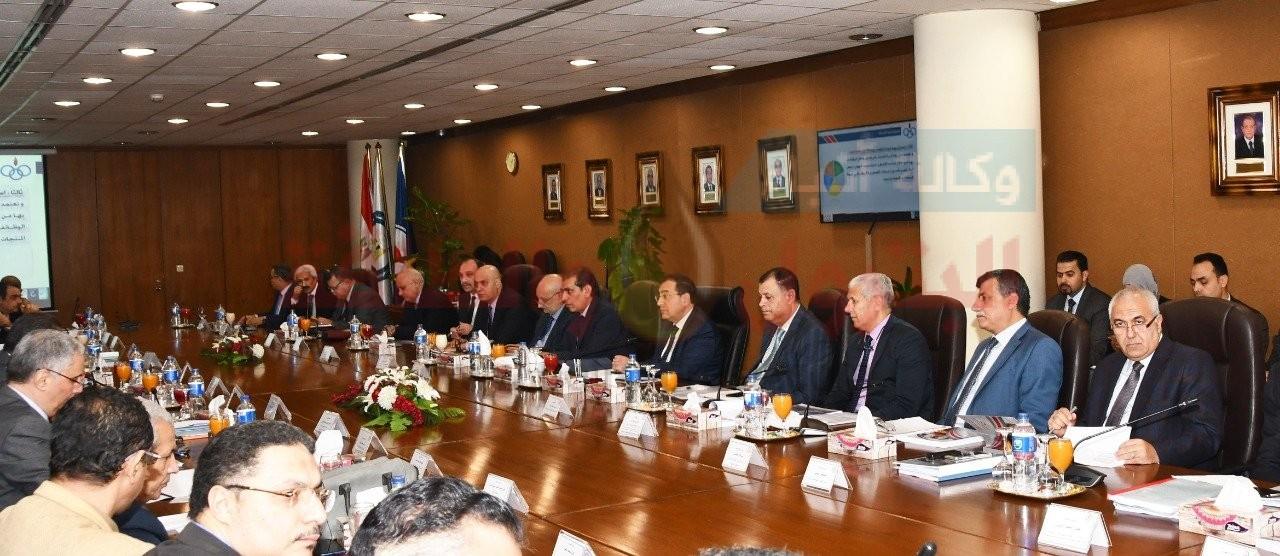 وزير البترول يعتمد الموازنات التخطيطية لشركتي التعاون ومصر للبترول -
