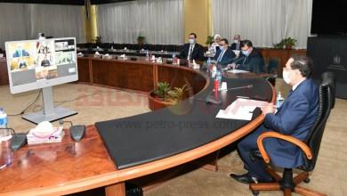 Photo of وزير البترول والثروة المعدنية يشهد توقيع عقود إنشاء مجمع أنوبك للتكرير بأسيوط