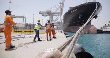 ميناءا السخنة والأدبية يشهدان زيادة كبيرة في أعداد السفن وتداول الحاويات