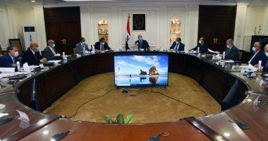 """وزير الإسكان يترأس أول اجتماع للجنة متابعة تنفيذ المبادرة الرئاسية """"حياة كريمة"""""""