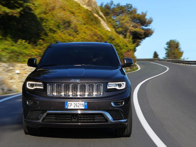 Cornering in the 2013 Jeep Grand Cherokee