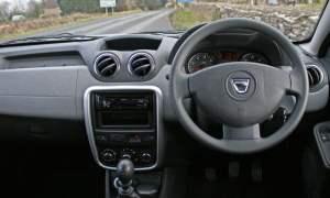 The Dacia Duster Access 1.6 4×4 dashboard