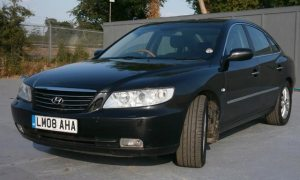 Hyundai Grandeur in black