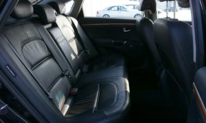 Rear seats in Hyundai Grandeur