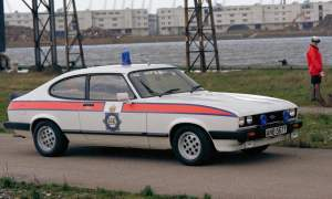 1983 Ford Capri 2.8 police on pepperpots