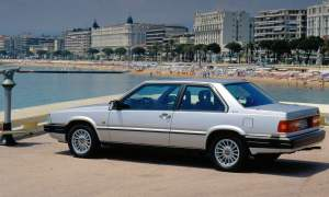 Volvo 780 Coupe beach