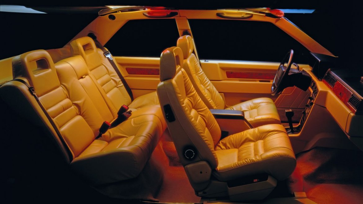 Volvo 780 Coupe interior
