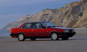 Volvo 780 Coupe on the beach