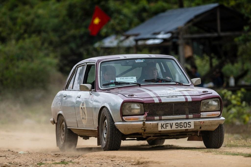 1975 Peugeot 504 Ti Road to Saigon Rally