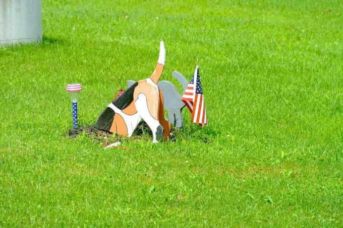 Beagle Lawn Ornament